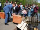 Prefect Anatoly Smirnov Released the Swans in the Bykovo Boloto Swamp
